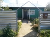 Продам дом для круглогодичного проживания. В доме есть: газ, газовое отопление, печь, водоснабжение, 3 комнаты, кухня, душ, прихожая. Есть гараж.